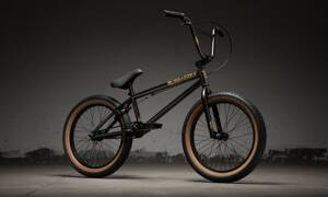 Bicykel Kink Curb matte black 2019